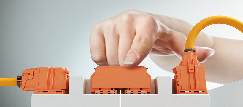 HV-Batteriemodule einfach und sicher miteinander verbinden